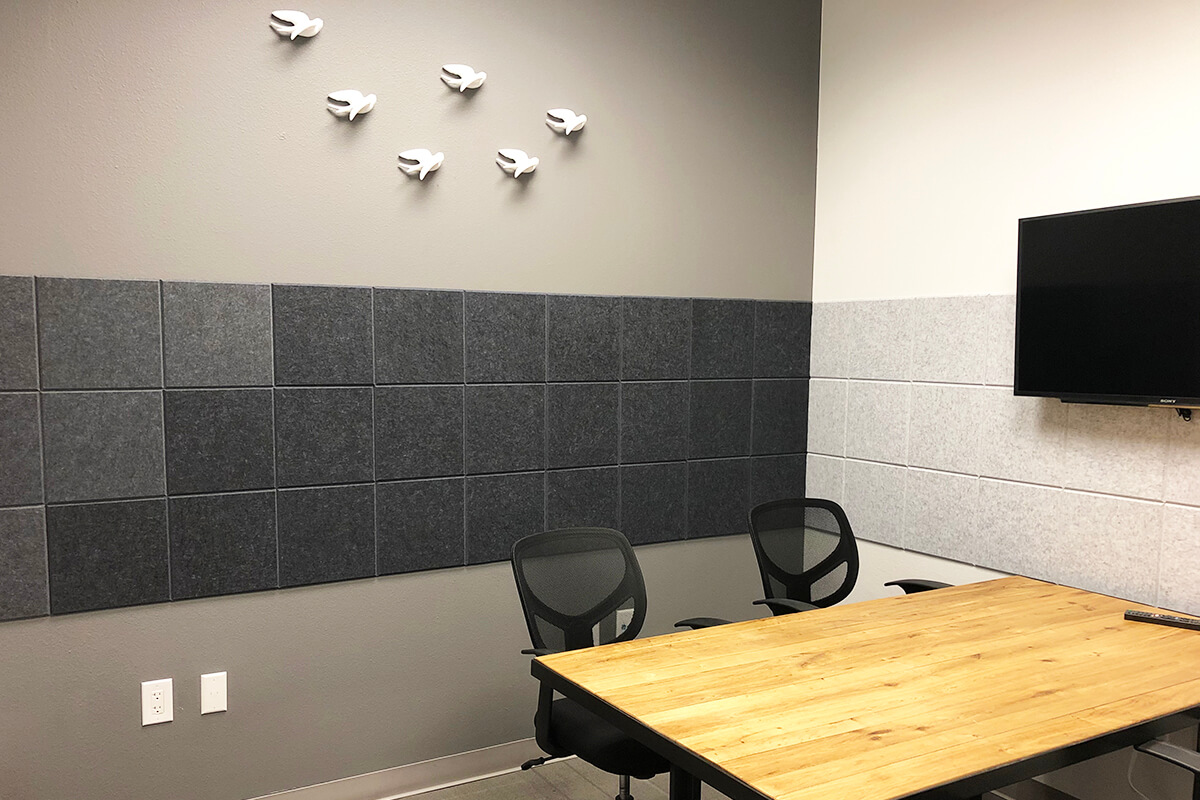 Small Conference Room Photo 3